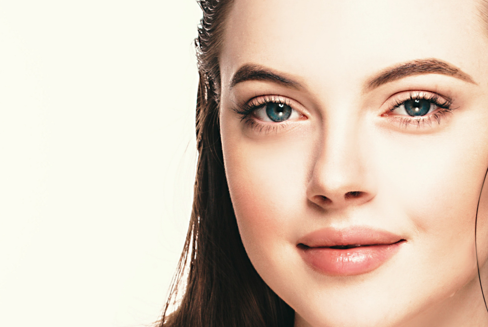 Malowanie oczu wypukłych – propozycja na szybki codzienny make-up