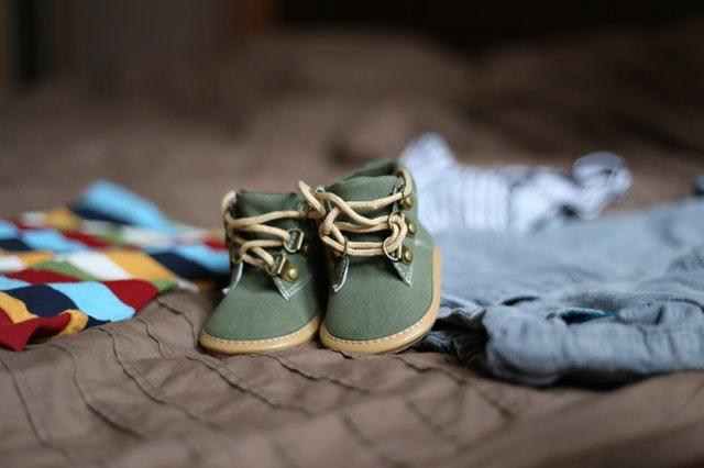 Jak kupować buty dla dziecka – zasady, których musisz przestrzegać