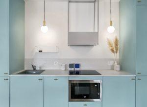 Kuchnia urządzona w kolorach pastelowych