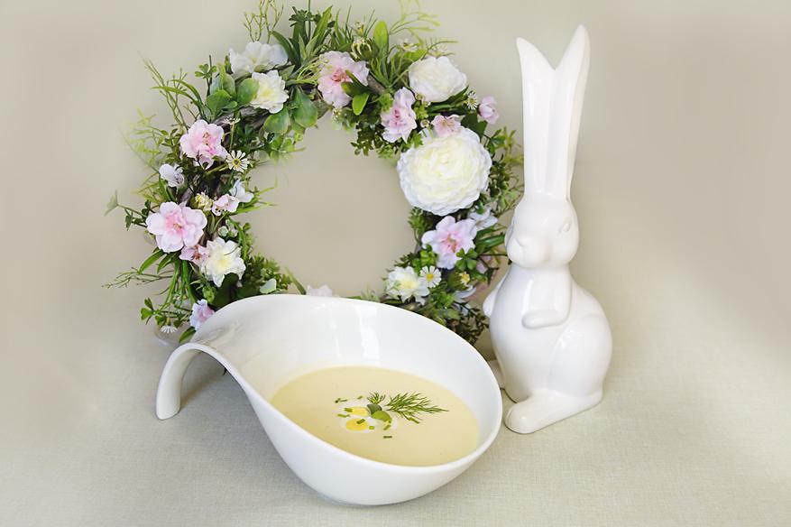 Zupa chrzanowa z jajkiem przepiórczym