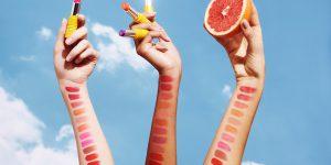 Wiosenne pocałunki – pielęgnacja i makijaż ust zL'Occitane. Zestaw kosmetyków czeka na Ciebie!
