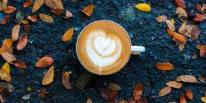 Zobacz przepis na kawę idealną na jesienne popołudnia