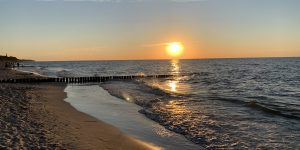 Wakacje nad polskim morzem w dobie koronawirusa